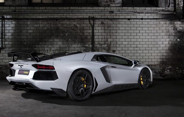 Картинка белый, Lamborghini, суперкар, tuning, задок, LP700-4, Aventador, Novitec, Torado