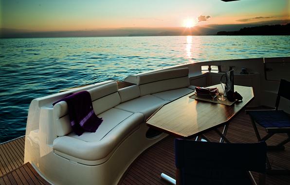 Картинка море, закат, настроение, отдых, вечер, яхта, бокалы, путешествие, столик