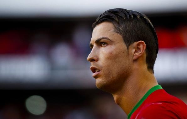 Картинка футбол, спорт, капитан, форма, Португалия, Cristiano Ronaldo, футболист, Криштиану Роналду, Сборная, Ronaldo, Роналдо