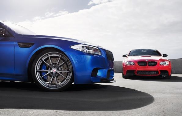 Картинка небо, облака, синий, красный, тень, BMW, БМВ, red, блик, f10, e92, monte carlo blue