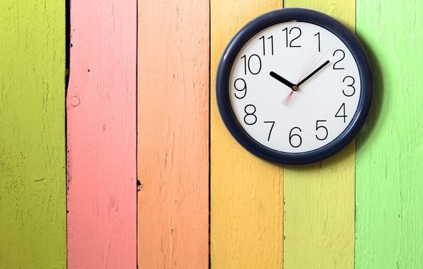 Картинка время, полосы, фон, обои, стрелки, доски, цветные, краска, часы, циферблат, разное, широкоформатные, полноэкранные, HD wallpapers
