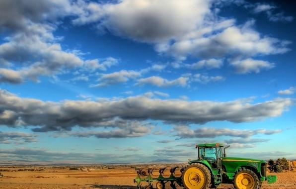 Картинка поле, Облака, трактор