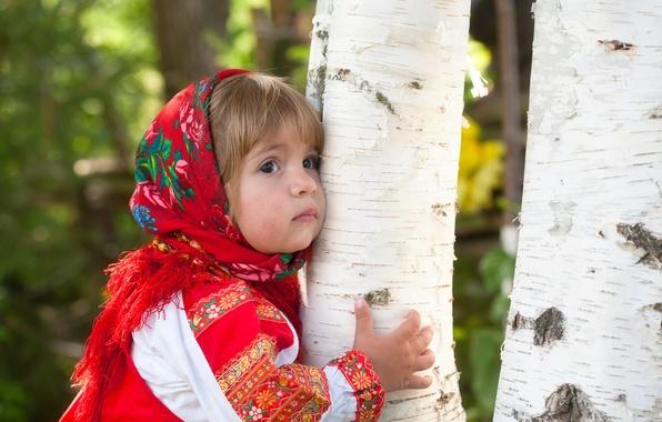 Фото обои девочка, ребёнок, наряд, россия, лето, берёза, роща, платье