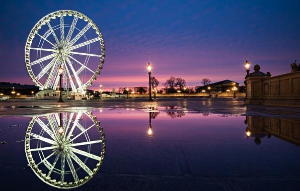Картинка город, отражение, люди, Франция, Париж, вечер, фонари, колесо обозрения, фонтан, Paris, France, Пляс де ля …