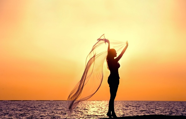 Картинка море, небо, вода, девушка, закат, поза, река, фон, widescreen, обои, настроения, силуэт, ткань, wallpaper, girl, …
