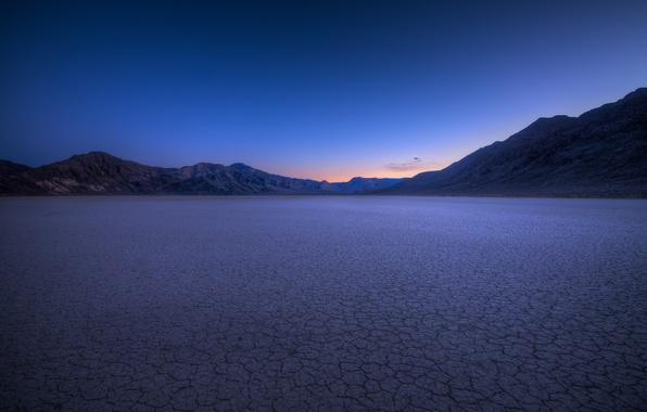 Картинка небо, закат, горы, вечер, Калифорния, США, синее, Долина Смерти, Национальный Парк, солончаки