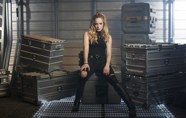 Картинка wallpaper, gun, box, long hair, bat, blonde, hero, pose, powerful, Sara, strong, uniform, transport, seifuku, …