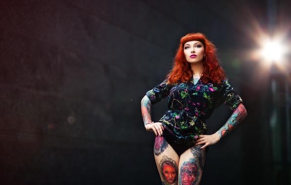 Картинка взгляд, девушка, лицо, волосы, фигура, ножки, татуировки