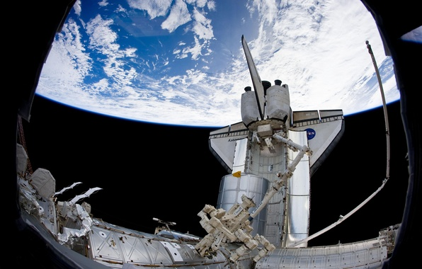 Картинка космос, космонавты, МКС, манипулятор, Шаттл Discovery