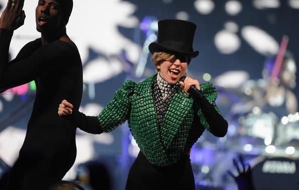 Картинка девушка, стиль, музыка, green, music, актриса, певица, знаменитость, hat, singer, London, Lady Gaga, pop, Леди …