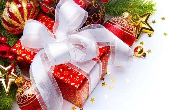Картинка шарики, украшения, ленты, коробка, подарок, шары, игрушки, ветка, блестки, Новый Год, Рождество, красные, белые, бант, …