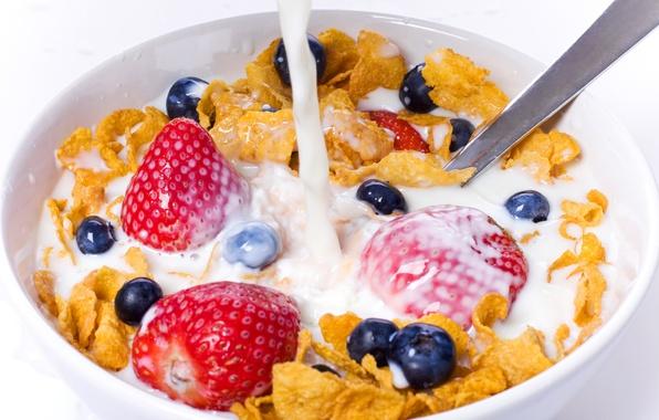 Картинка ягоды, еда, молоко, клубника, белый фон