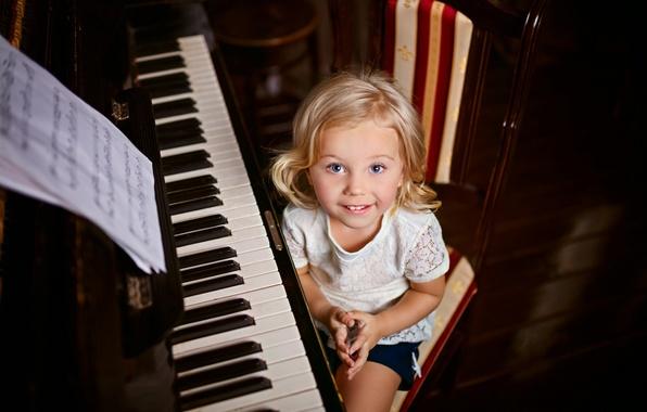 Картинка ноты, девочка, пианино