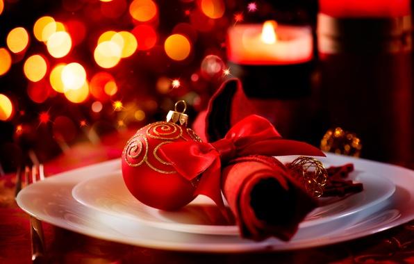 Картинка зима, красный, огни, стол, шар, свечи, Новый Год, тарелка, Рождество, посуда, Christmas, праздники, салфетка, боке, …