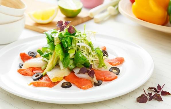Картинка рыба, овощи, оливки, салат, лосось