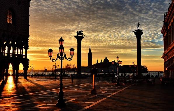 Картинка фиолетовый, вода, солнце, цветы, город, река, одиночество, фон, люди, обои, улица, человек, размытие, фонари, фонарь, …