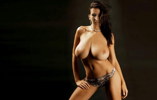 какие видео голая с большой грудью догнать мужа