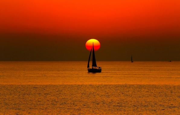 Картинка море, небо, солнце, закат, лодка, яхта, парус