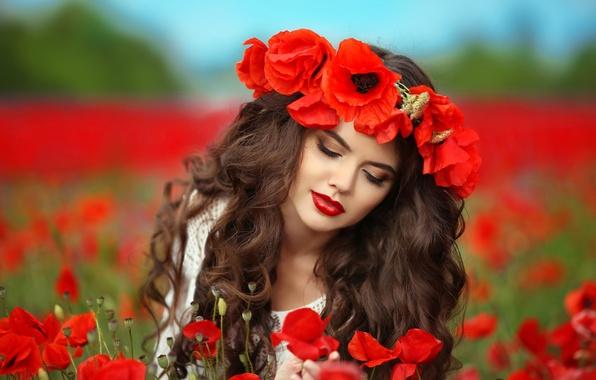 Картинка поле, лето, девушка, цветы, маки, макияж, прическа, красные, шатенка, венок, боке