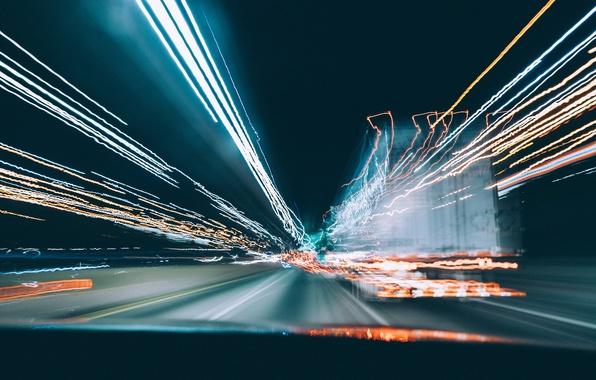 Картинка дорога, стекло, свет, город, движение, скорость