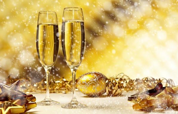 Картинка снег, огни, праздник, игрушки, новый год, бокалы, декорации, happy new year, christmas decoration, новогодние обои, …
