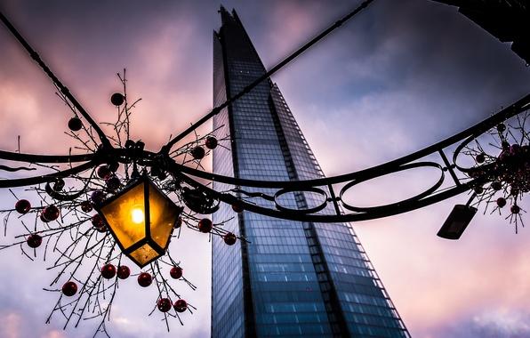 Картинка город, здание, Англия, Лондон, вечер, фонарь, Великобритания, украшение, гирлянда, банк, London, England, Great Britain, новогоднее