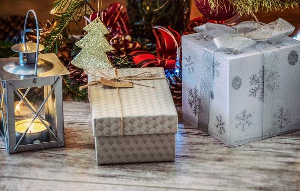 Картинка украшения, снежинки, подарок, доски, новый год, рождество, свеча, фонарь, подарки, бантики, ёлочка, коробки, ёлочные игрушки, …