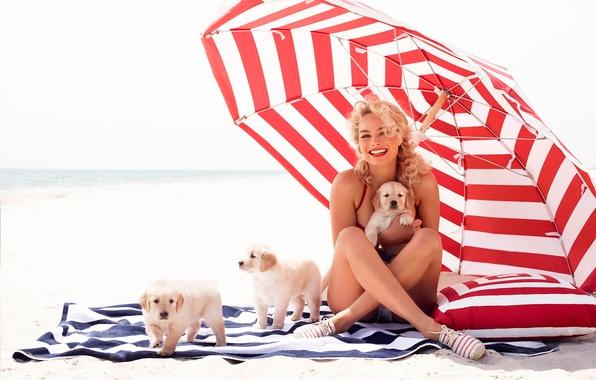 Картинка фотосессия, собачки, Margot Robbie, Vanity Fair