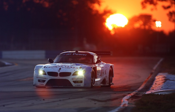 Картинка Le Mans, BMW, Race, Glow, Sunset, White, Team, Performance, GTE, Competition, Track, Spoiler, Widebody Kit, …