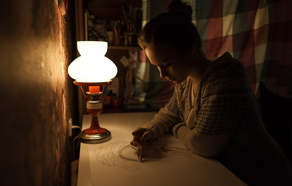 Картинка девушка, ночь, бумага, стол, лампа, карандаш, сидит, рисует, художница