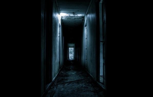 Картинка темнота, двери, коридор, развалины, мрачно
