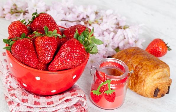 Картинка цветы, ягоды, еда, шоколад, завтрак, клубника, тарелка, красные, выпечка, булочка, круассан, баночка