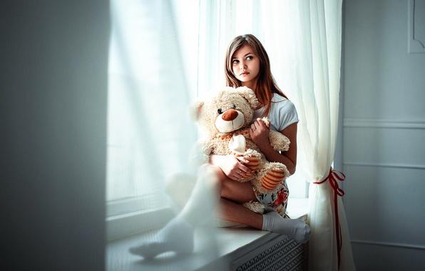 Картинка девушка, игрушка, мишка