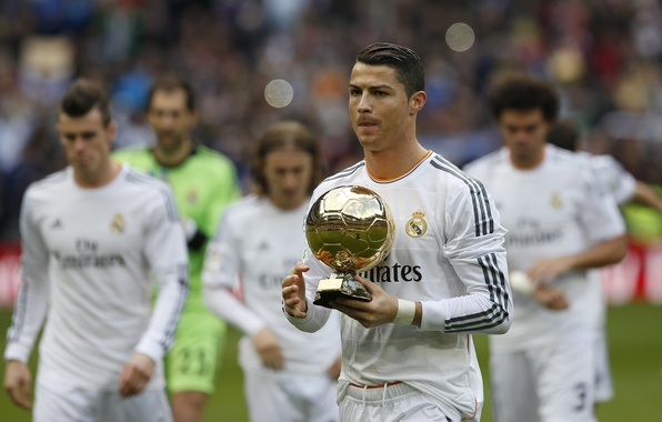 Картинка Звезда, Футбол, Cristiano Ronaldo, Роналду, Криштиану Роналду, Футболист, Ronaldo, FIFA, Знаменитость, Лучший футболист мира 2013, …