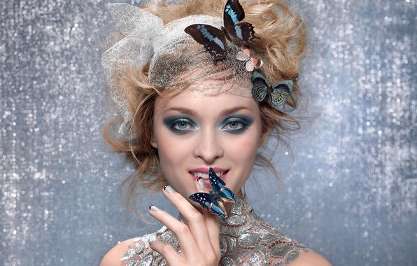 Картинка взгляд, девушка, улыбка, бабочка, макияж, блондинка, тени