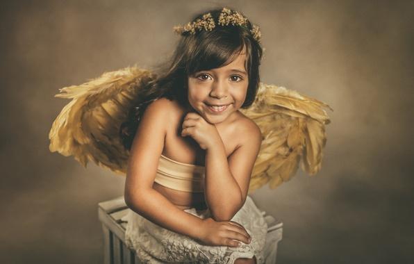 Картинка взгляд, улыбка, настроение, крылья, ангел, девочка, венок