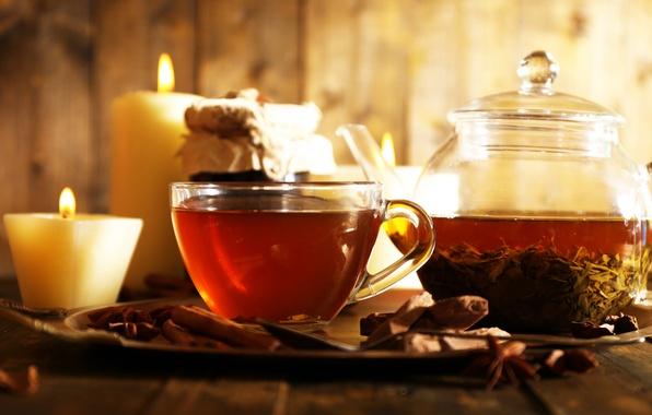 Картинка чай, свечи, чайник, чашка, корица, гвоздика, блюдце, заварка