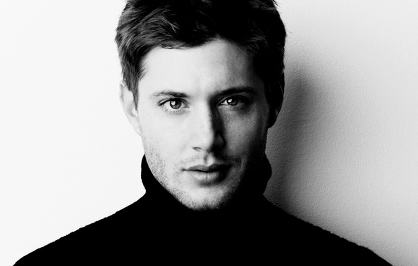Картинка лицо, актер, сериал, Jensen Ackles, черно-белый фон, сверхъестественное, supernatural, Дженсен Эклс, dean winchester, дин винчестер