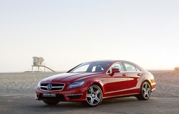 Картинка пляж, небо, красный, Mercedes-Benz, седан, мерседес, AMG, передок, амг, цлс63, CLS63