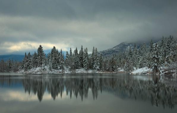 Картинка зима, лес, снег, деревья, горы, озеро, отражение, ель, ёлки