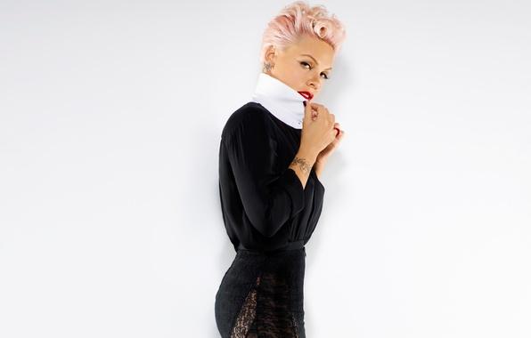 Картинка поза, Pink, певица, Пинк