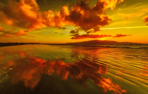Картинка небо, облака, закат, горы, озеро, отражение, зарево