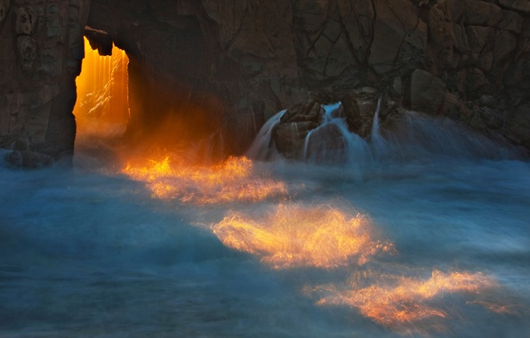 Картинка море, волны, вода, лучи, свет, брызги, природа, скала, камни, океан, скалы, берег, камень, арка, пещера, …