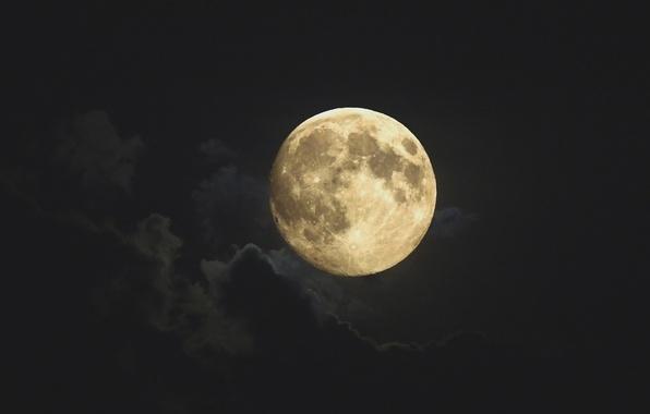 Картинка небо, тучи, луна, планета, полнолуние, спутник Земли