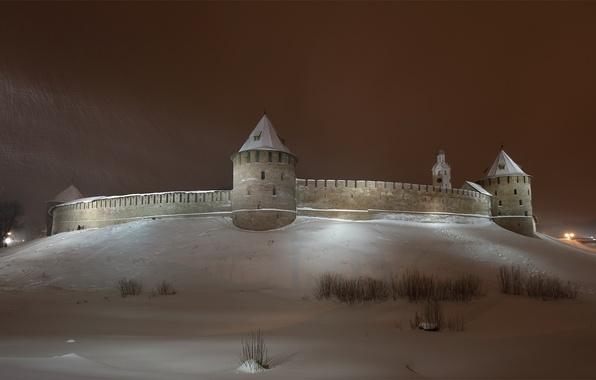 Картинка зима, небо, снег, ночь, город, стена, башня, кремль, башни, Новгород, Новгородский Кремль, Северная часть