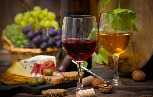 Картинка вино, красное, белое, корзина, сыр, бокалы, виноград, орехи