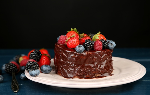 Картинка малина, еда, шоколад, черника, клубника, торт, пирожное, cake, десерт, food, ежевика, сладкое, chocolate, dessert, blueberries, ...