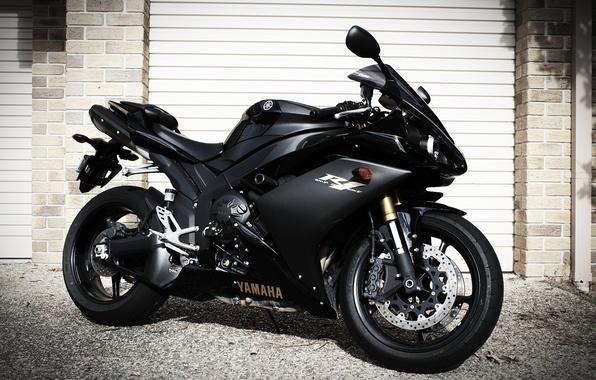 Картинка чёрный, мотоцикл, black, вид сбоку, yamaha, bike, ямаха, роллеты, yzf-r1