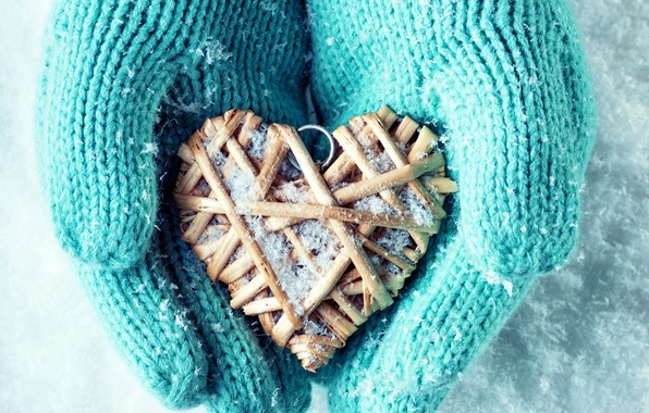 Картинка зима, снег, любовь, сердце, руки, love, heart, winter, варежки, snow, hands