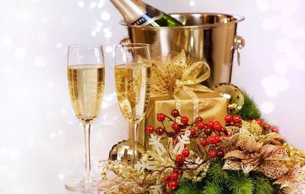 Картинка лед, украшения, коробка, подарок, бутылка, Новый Год, бокалы, ведро, шампанское, падуб
